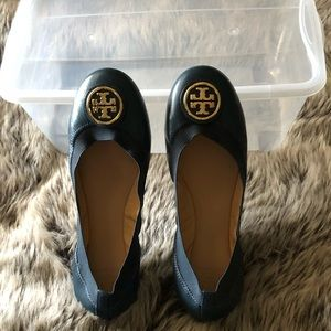 TORY BURCH NAVY BLUE FLATS-NEW W/O BOX